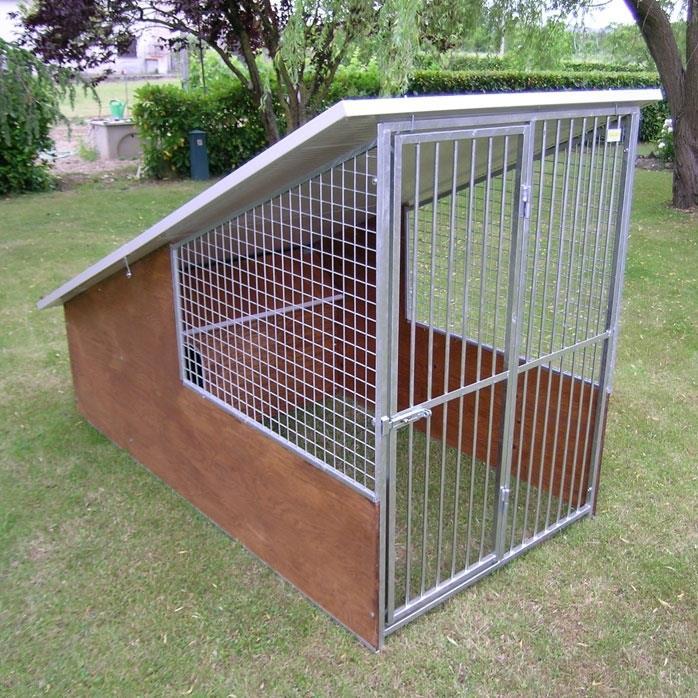 Box per cani con tetto coperto modello collie cani for Recinzione per cani da esterno