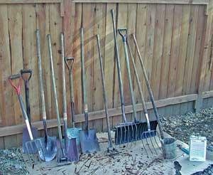 Elenco di utensili indispensabili per coltivare orto - Attrezzi da giardino professionali ...